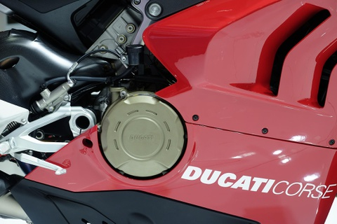 Can canh superbike duong dua Ducati Panigale V4 R hinh anh 7