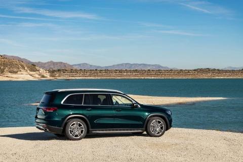 Mercedes-Benz GLS 2020 ra mat, loi dap tra cho BMW X7 hinh anh 3