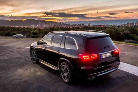 Mercedes-Benz GLS 2020 ra mat, loi dap tra cho BMW X7 hinh anh 11