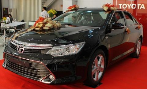 Toyota Camry 2019 - re hon, tre hon, kem sang hon hinh anh 2