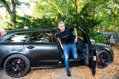 Dan sao Tottenham choi xe 'tiet kiem', Lucas Moura con dung xe TQ hinh anh 8
