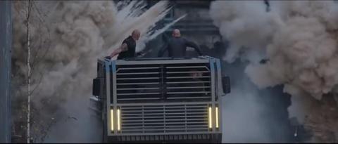 Dan xe trong bom tan 'Fast & Furious' moi - thuong vang ha cam hinh anh 4