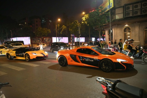 Dàn siêu xe trăm tỷ của Car Passion náo động Hà Nội
