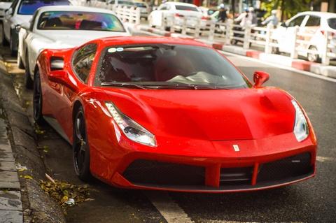 Ngam Ferrari 488 GTB cua Tuan Hung sau mot nam gap tai nan hinh anh
