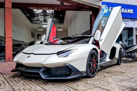 Lamborghini Aventador do bodykit ban ky niem 50 nam tai TP.HCM hinh anh
