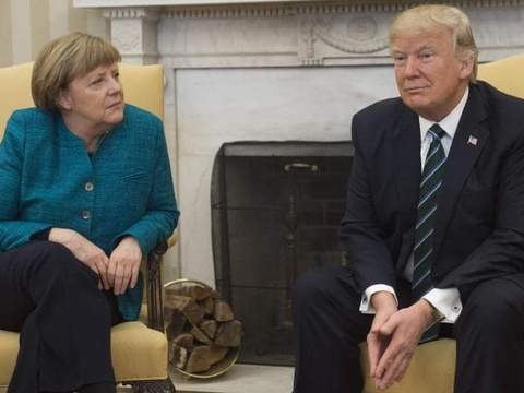 Cuoc chien chua tung co giua cac dong minh - chau Au vo mong ve Trump hinh anh 14