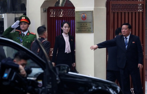 Em gai lanh dao Kim Jong Un noi bat trong chuyen tham tai Ha Noi hinh anh 6