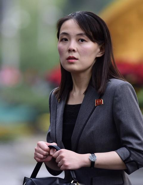 Em gai lanh dao Kim Jong Un noi bat trong chuyen tham tai Ha Noi hinh anh 4