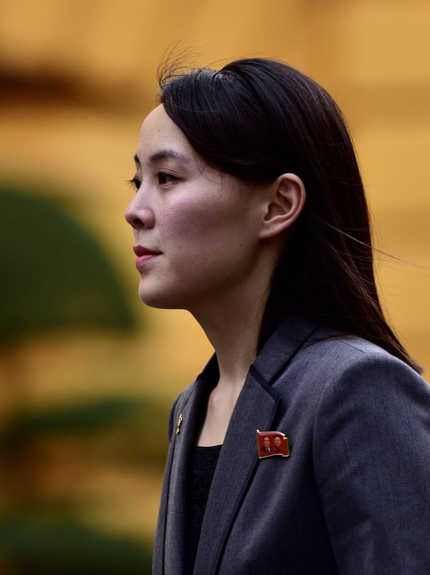 Em gai lanh dao Kim Jong Un noi bat trong chuyen tham tai Ha Noi hinh anh 5