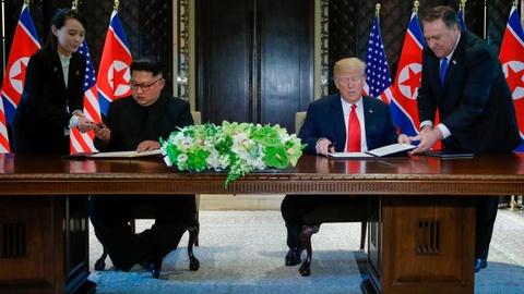 Em gai lanh dao Kim Jong Un noi bat trong chuyen tham tai Ha Noi hinh anh 9