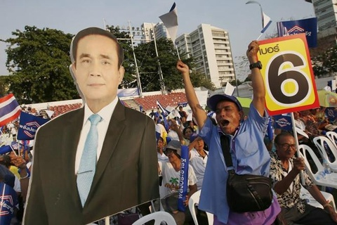 Thaksin: Bau cu Thai day ray 'bat thuong', 'gian lan' hinh anh 2