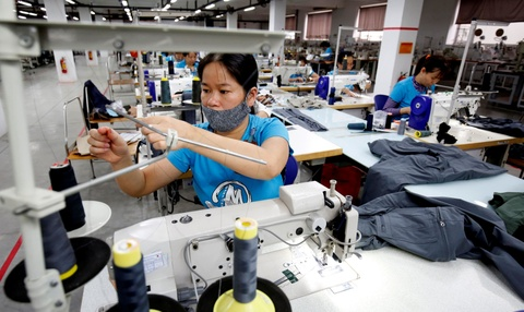 ILO: Doanh nghiep det may VN mo lai chi hoat dong 50-60% cong suat hinh anh