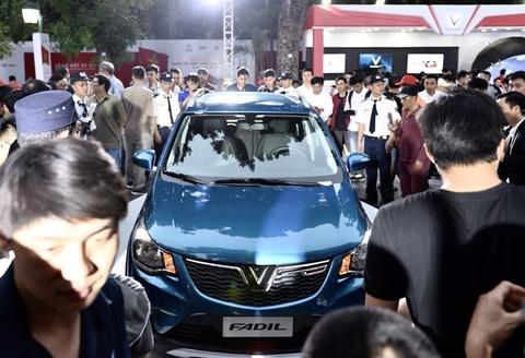 Giá 3 mẫu xe VinFast: 1,136 tỷ, 800 và 336 triệu đồng