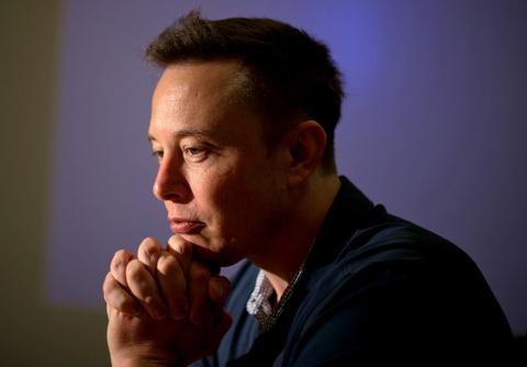 Elon Musk la thien tai hay ga khung? hinh anh 3