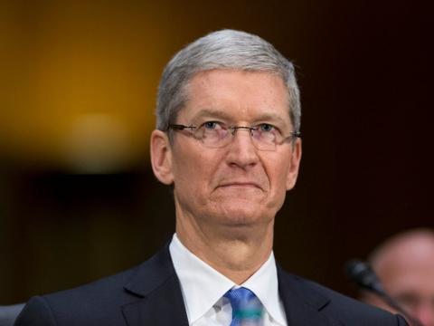 Apple mat 57 ty USD vi mot cau noi cua Tim Cook hinh anh