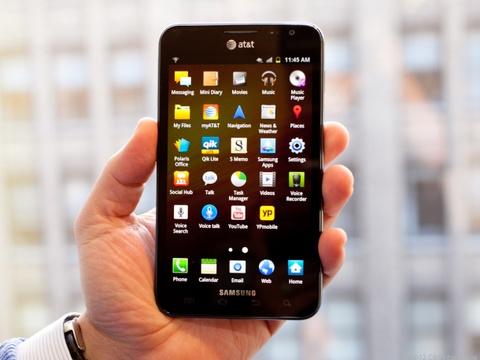 Galaxy Fold mo ra con ac mong moi cho iPhone hinh anh 3