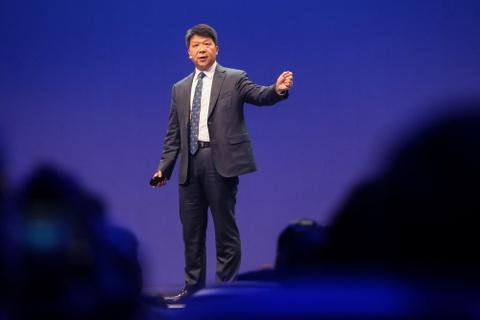 Huawei quay cuong truoc gio phan xet 'cong chua' Manh Van Chau hinh anh 3