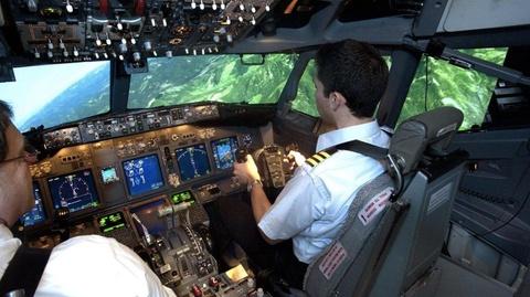 Nhieu phi cong Boeing 737 Max chi duoc dao tao 2 gio qua iPad hinh anh 3