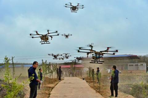 Phi cong lai drone - nghe hot nhat o nong thon Trung Quoc hinh anh 2