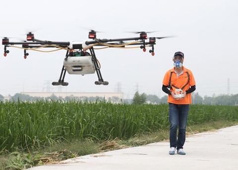Phi cong lai drone - nghe hot nhat o nong thon Trung Quoc hinh anh 3