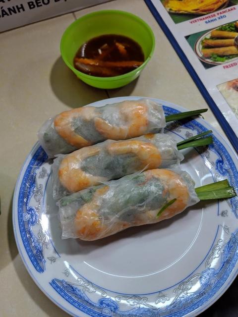 Phở, nem cuốn hay cà phê Việt Nam là những món ăn thu hút với những vị khách ghé qua TP. HCM.