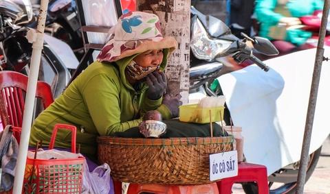 Nguoi dan Quang Nam chat vat muu sinh duoi nang nong hinh anh 4