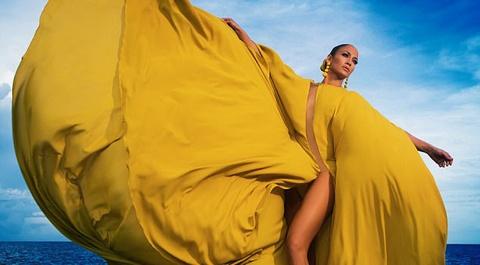 Jennifer Lopez dien trang phuc hang hieu tren bia single moi hinh anh