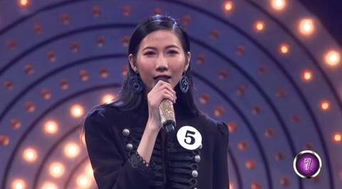 Nguoi mau Cao Ngan hat hit Bich Phuong voi giong hat 'tham hoa' hinh anh