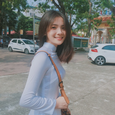 Nhung chiec cam V-line dang ghen ty cua hot girl Viet hinh anh 5