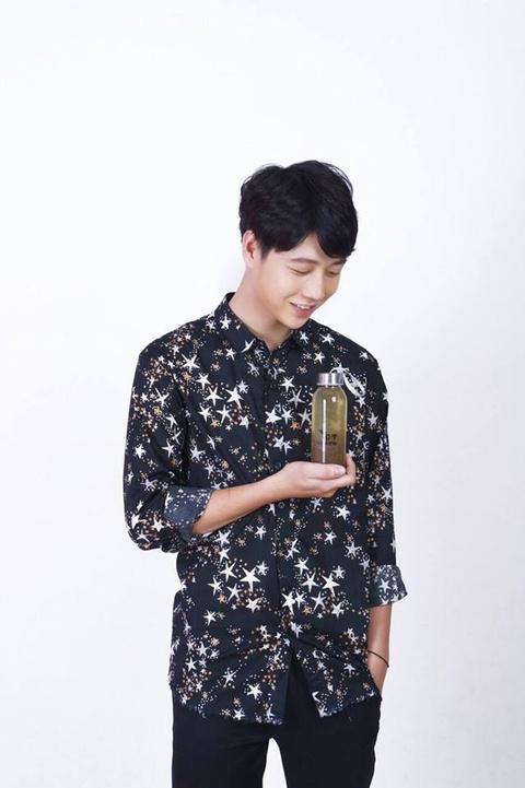Hot boy truong Y cao 1,80 m, 'soai' khong kem idol Han Quoc hinh anh 8