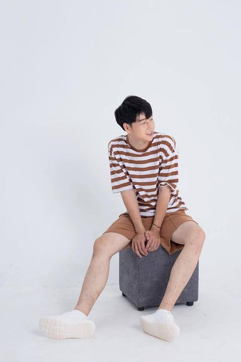 Hot boy truong Y cao 1,80 m, 'soai' khong kem idol Han Quoc hinh anh 4