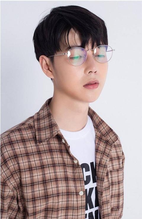 Hot boy truong Y cao 1,80 m, 'soai' khong kem idol Han Quoc hinh anh 5