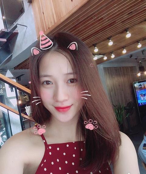 Hot girl tuoi Hoi: Nguoi hanh phuc ben chong, ke theo nghiep dien xuat hinh anh 2