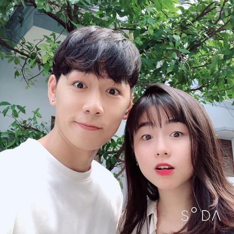 Hot girl tuoi Hoi: Nguoi hanh phuc ben chong, ke theo nghiep dien xuat hinh anh 11