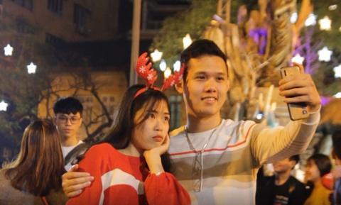 Nguoi dan do ve Nha tho Lon don Giang sinh som hinh anh