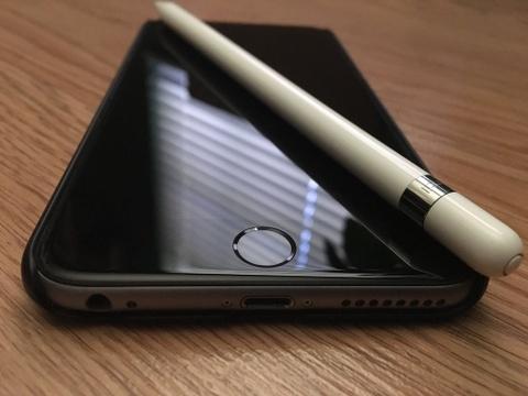 iPhone co the trang bi Apple Pencil nhu Galaxy Note hinh anh