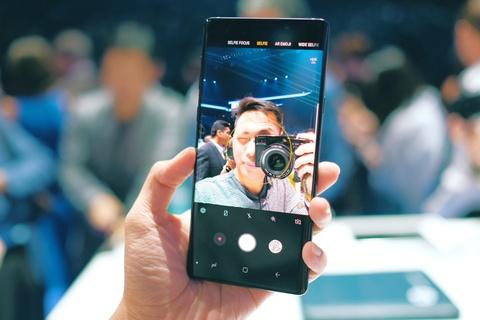 Anh chi tiet Galaxy Note9 vua ra mat: To, sac sao va thong minh hon hinh anh 5