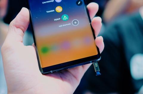 Anh chi tiet Galaxy Note9 vua ra mat: To, sac sao va thong minh hon hinh anh 6