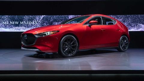 Chi tiet Mazda3 2019 - thiet ke toi gian va cao cap hinh anh 2