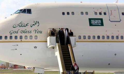 Doan tuy tung hung hau cua quoc vuong Saudi Arabia hinh anh 8