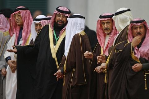 Doan tuy tung hung hau cua quoc vuong Saudi Arabia hinh anh 4