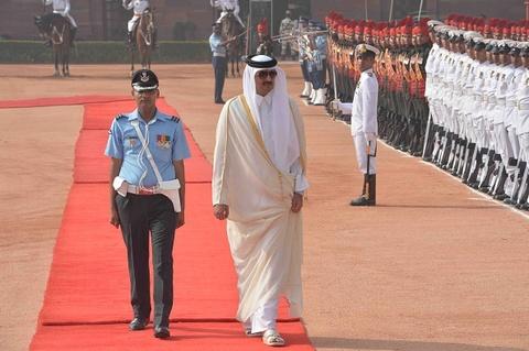 Quoc vuong Qatar, nhan vat tam diem trong vu 'tay chay' o Arab hinh anh 10