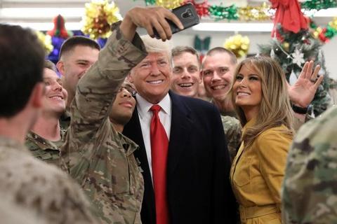 Tong thong Trump bat ngo den tham quan doi My o Iraq hinh anh