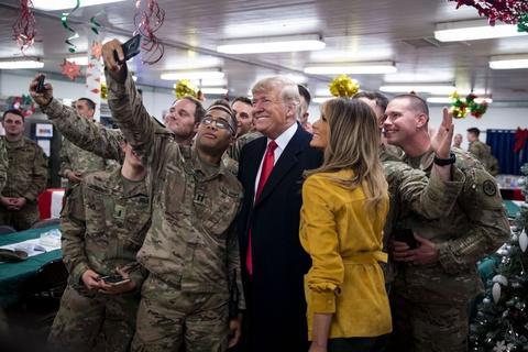 Tong thong Trump bat ngo den tham quan doi My o Iraq hinh anh 1