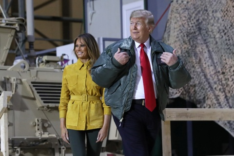 Tong thong Trump bat ngo den tham quan doi My o Iraq hinh anh 2