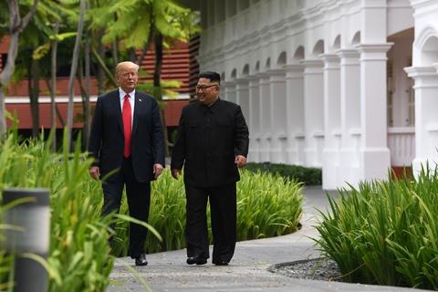 Cuoc gap Kim Jong Un - niem hy vong cua Trump giua roi ren noi bo hinh anh 1