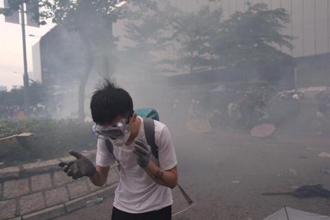 Trung tam Hong Kong ngap trong nguoi bieu tinh va khoi hoi cay hinh anh 3
