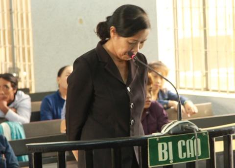 Nguyen pho chanh an nhan hoi lo: 'Bi cao qua thuong nguoi va sa bay' hinh anh