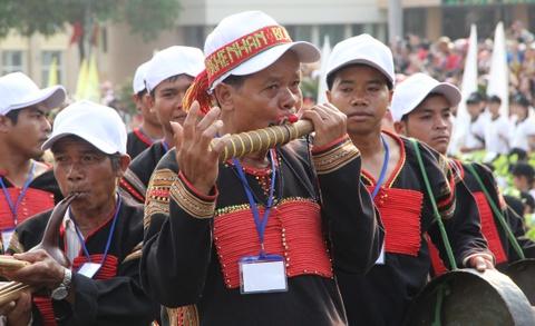Hang nghin nguoi doi nang ngam hoa hau tai le hoi ca phe Buon Ma Thuot hinh anh 7