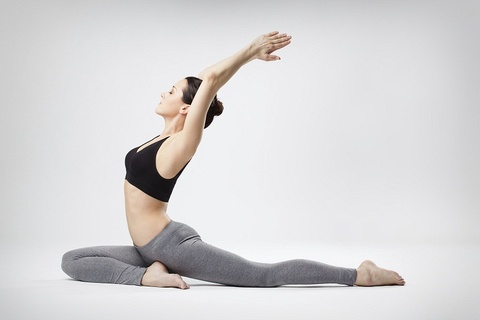 tap yoga can tranh hinh anh